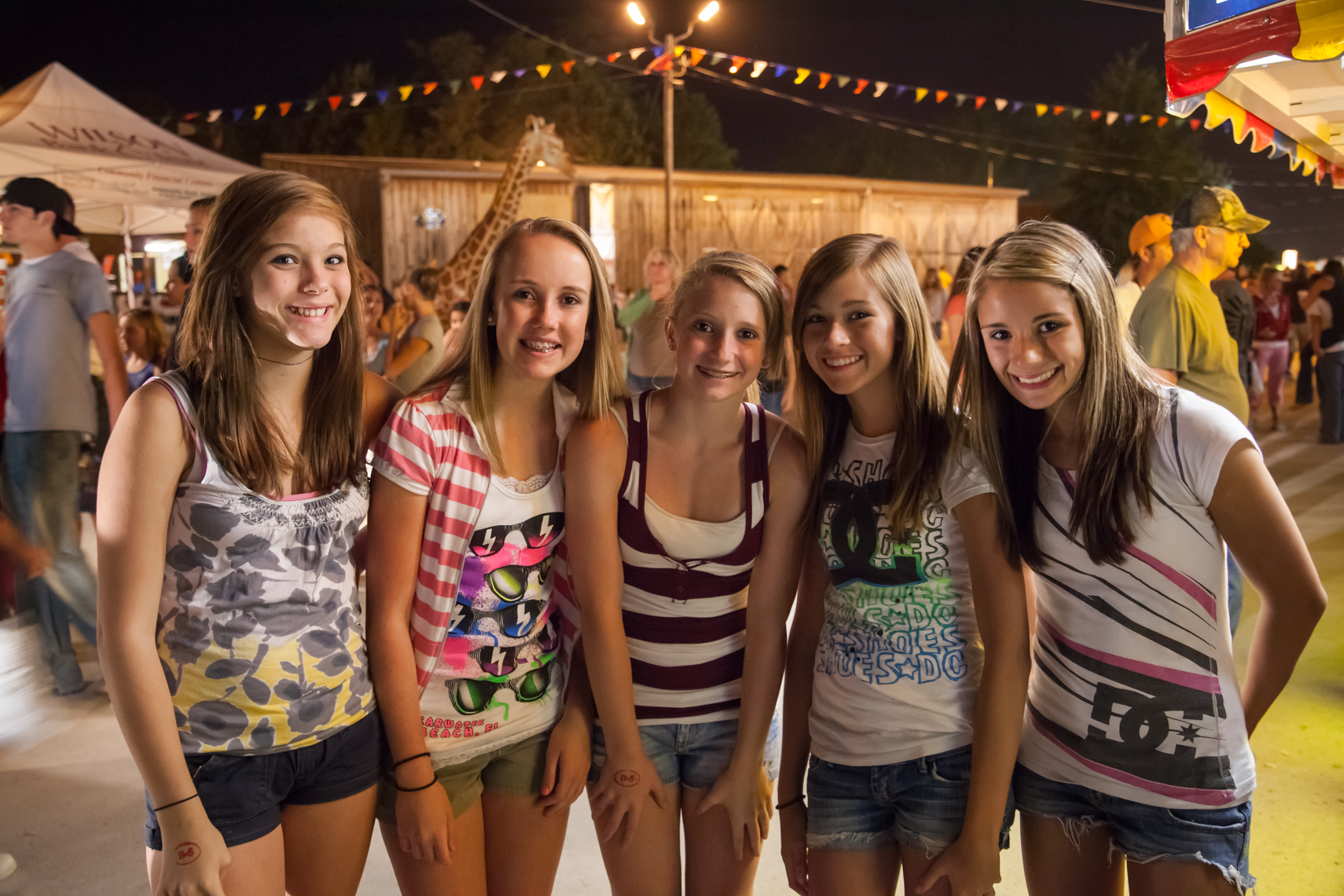Tween girls, Wilson County Fair, Lebanon, Tennessee, carnival, amusement park, rural south, Documentary, Editorial, Photojournalist in Nashville, Southeast, South, Texas, Atlanta, New Orleans, Chicago, Washington, D.C., Photographer